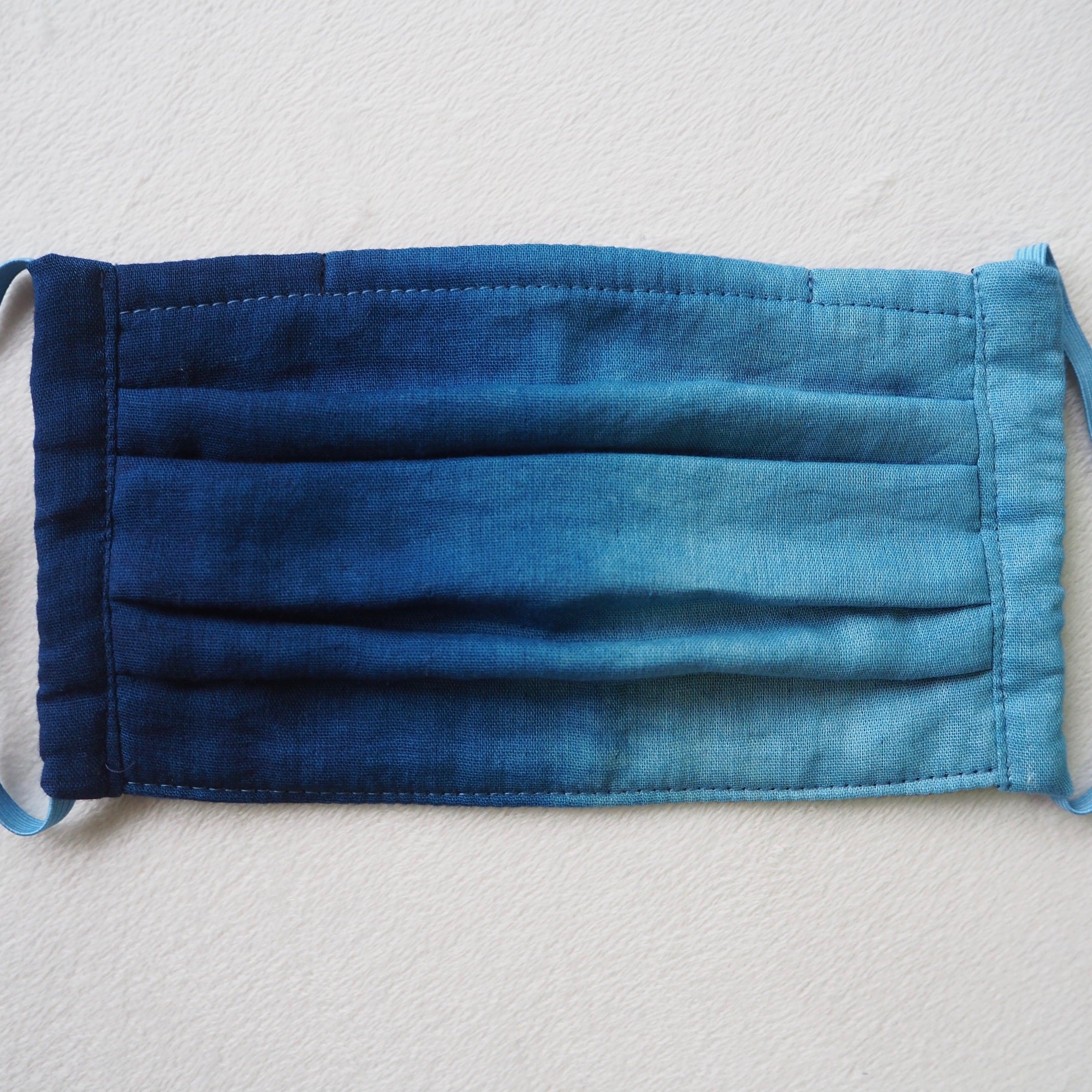 藍染めガーゼ 5 層仕立て 快適サラサラプリーツマスク(横グラデーション)