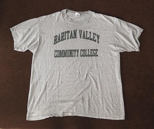 90s Vintage College T Shirts by GILDAN XL