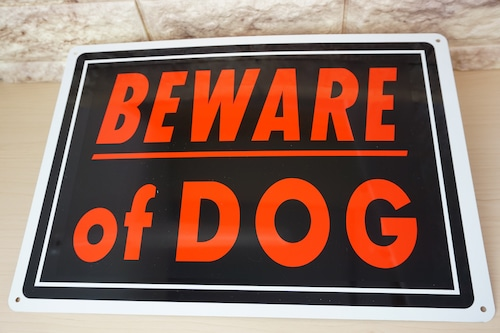 アルミ看板(BEWARE of DOG)