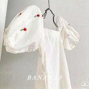 «sold out» banana j puff sleeve onepiece 2colors 刺繍ワンピース