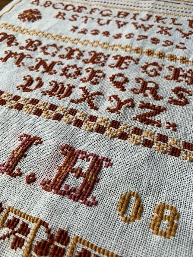 刺繍サンプラー クロスステッチ BROWN