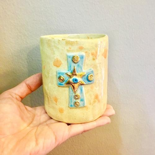 Koyomi Yanagimoto  Eye cross vase