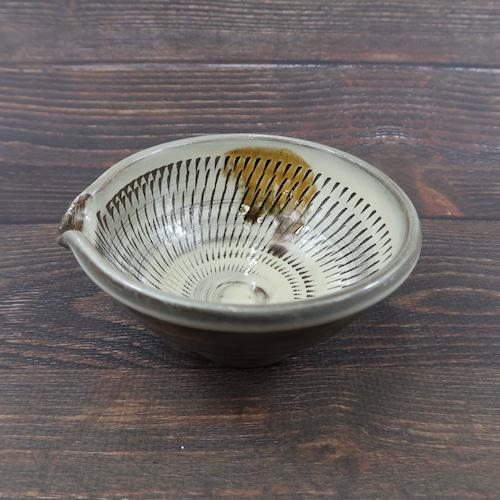 小鹿田焼 4寸片口深鉢 内側刷毛目 櫛引 白色 坂本義孝窯