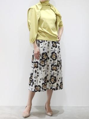 フラワーチェーン刺繍スカート