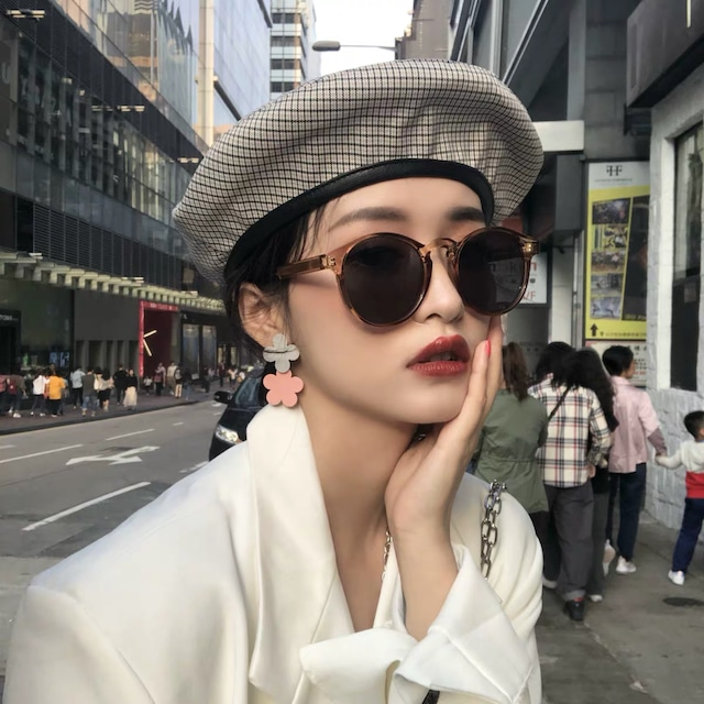 brown big sunglasses