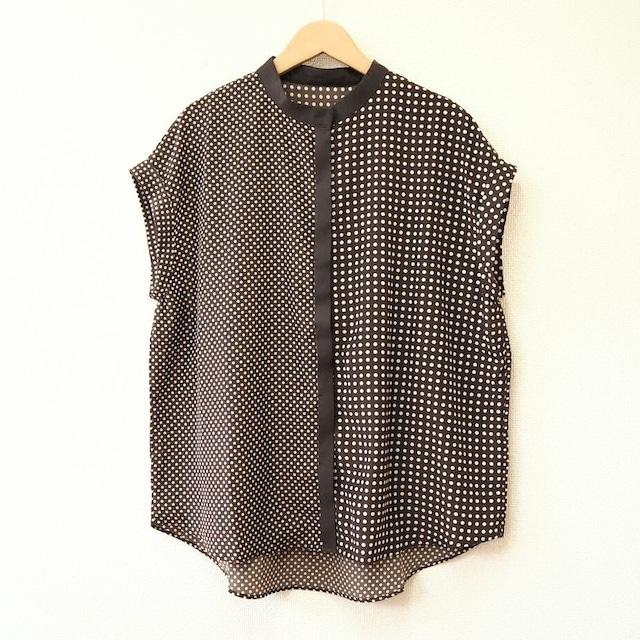 dot blouse  <brown>