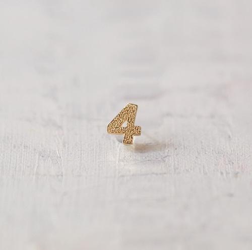 数字 シングルピアス  SV925 Numéro 4 ゴールドコーティング