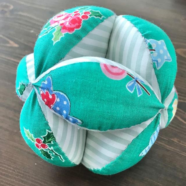 キッキングボール クリスマス柄(緑)×ボーダー柄(薄緑)