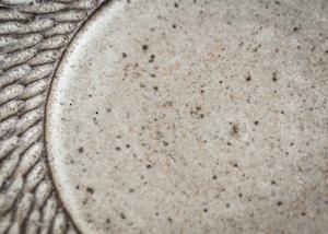 しのぎ リムプレート 白 7寸(リム皿・7寸皿・平皿)/山本雅則