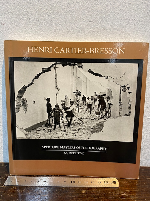 80's  HENRI CARTIER_BRESSON ヘンリーカーター ブレッソン ARERTURE  NUMBER TWO