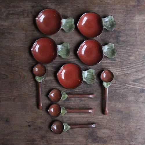 赤カブの薬味皿とスプーンのセット