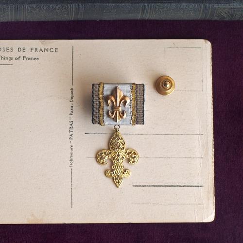 ユリの勲章 / ラペルピン(W Gold)