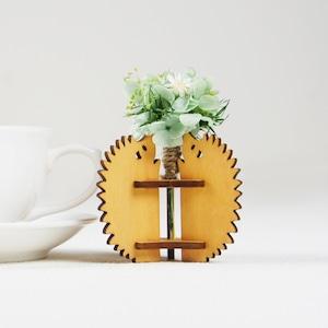 「ハナとはりねずみ(メープル)」木製一輪挿し