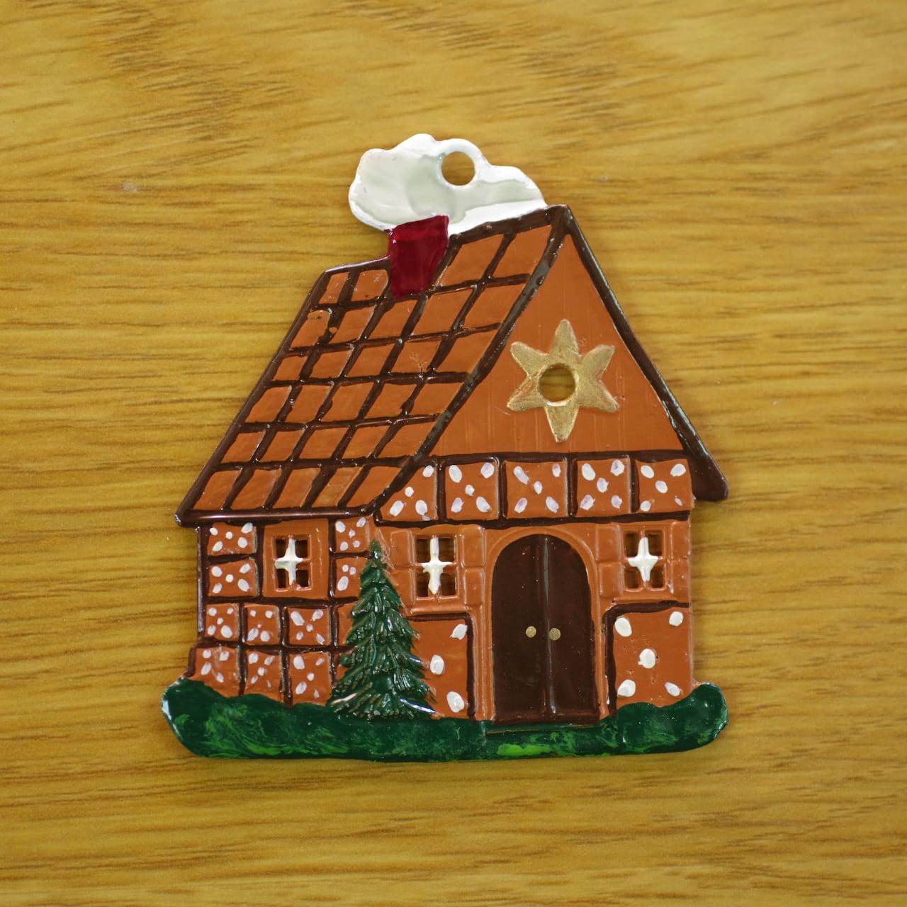 錫の飾り  お菓子の家