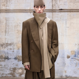 HED MAYNER - SCARF COLLAR SHIRT- AW21_S53_LGHT/ OLV COT - LIGHT OLIVE