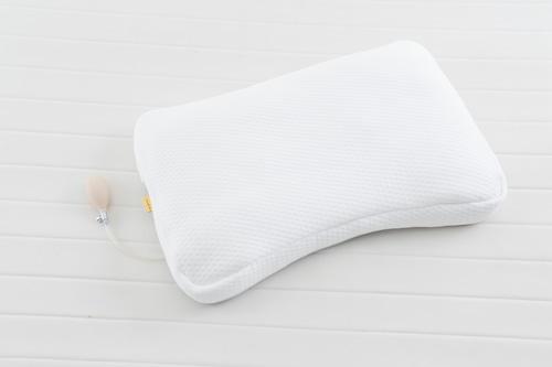 【オススメ新着!】首も眠る枕 Wooly(ウーリィー)/ホワイト