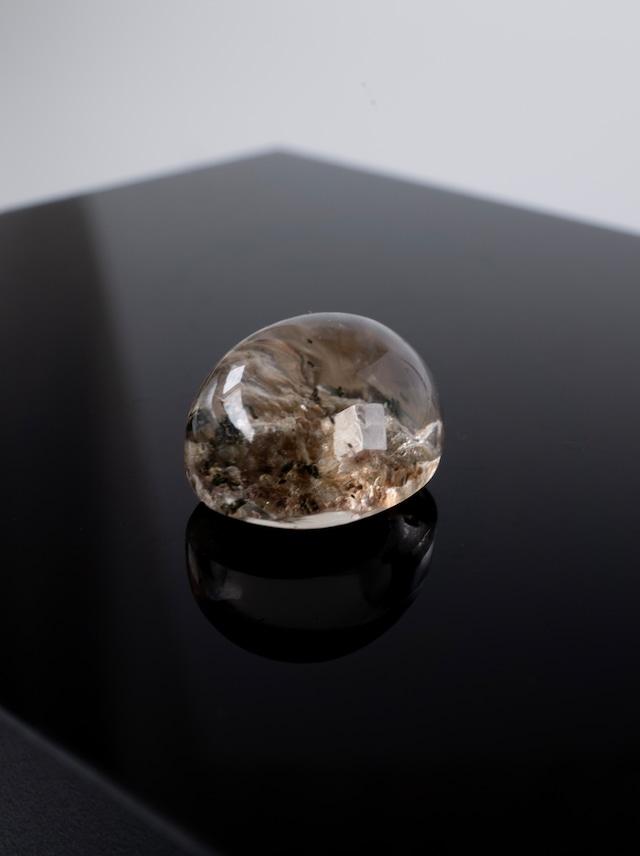 Calcite in Garden Quartz - 010