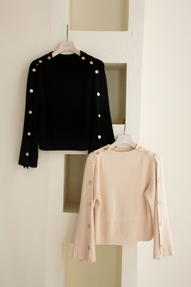 Embellished-Button Ribbed Knit Pullover