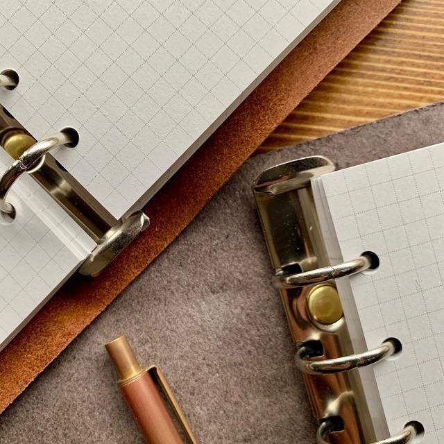 手縫いのシステム手帳