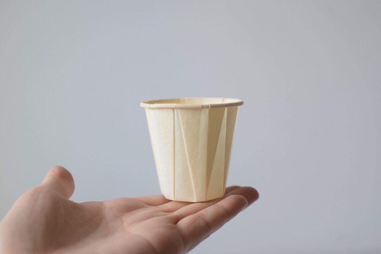 芸術的な紙コップ