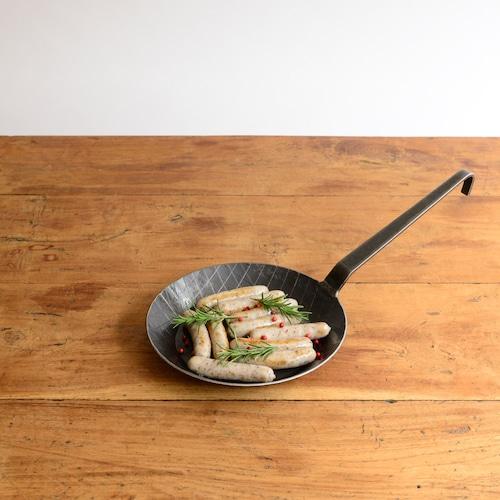 ターク プレスパン 浅型20cm (機械生産)