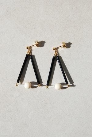 ピアス: アクリル&ガラス 「私の譲れない部分」