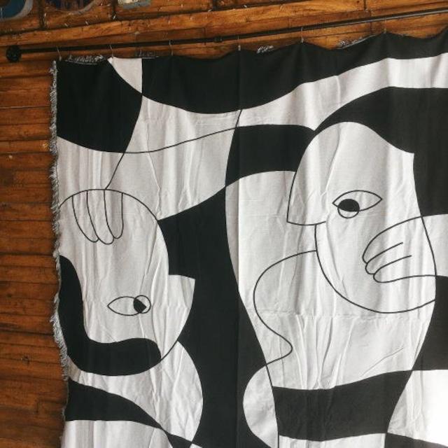 TOPANGA Homefurnishing ブラックホワイトスローケット human 180×230cm