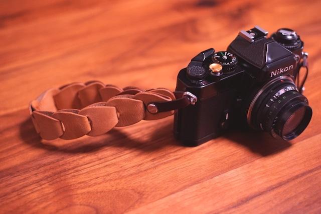 folklole mini / Hand Strap #3【ウロコのようなカメラストラップ】
