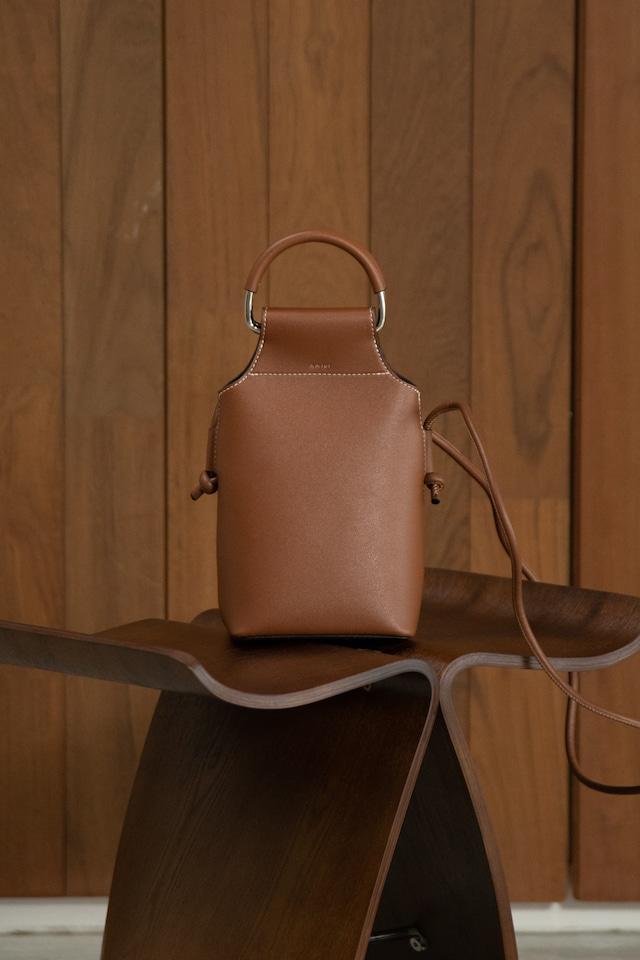 bucket handle bag