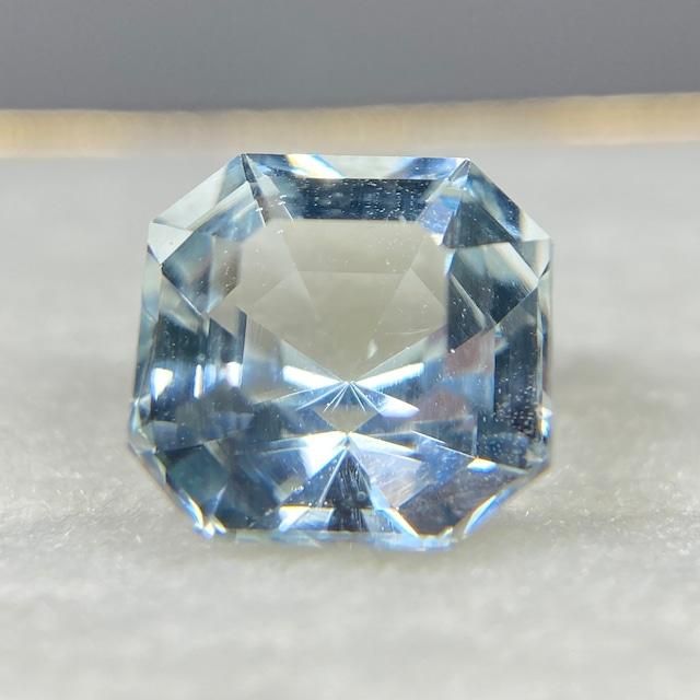アクアマリン 2.720ct 淡ブルー 簡易ソーティング付き No.195
