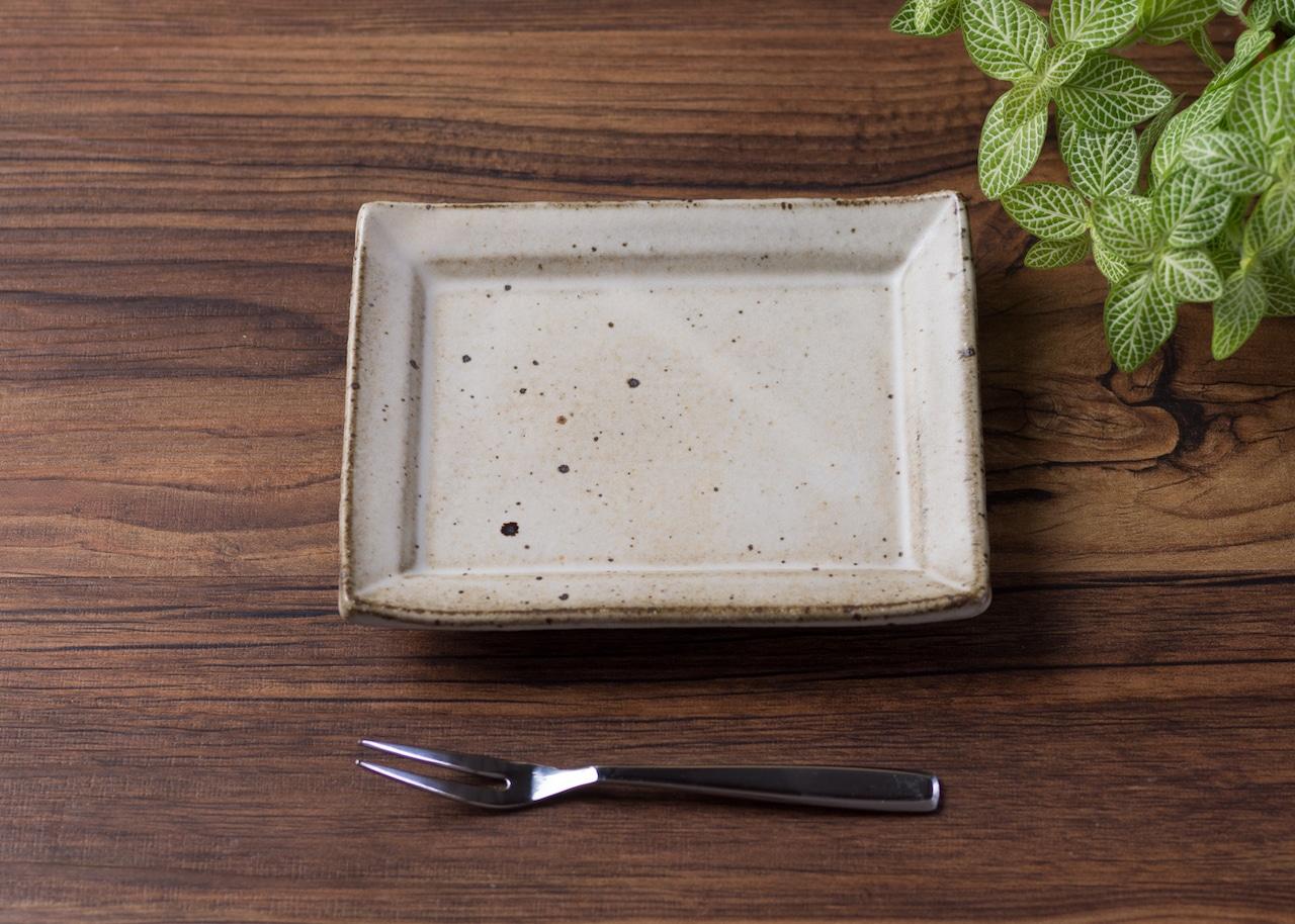 白マット釉 角小皿(銘々皿・取皿・粉引の器) /くるり窯
