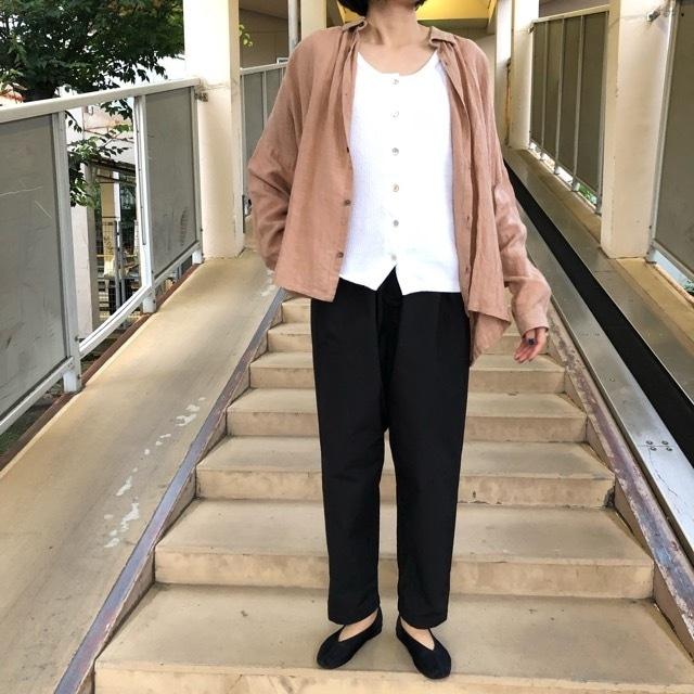 ichi Antiquite's スモークカラーリネンシャツ ベージュ