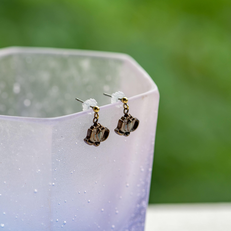 蓮の花の真ちゅうピアスorネックレス小