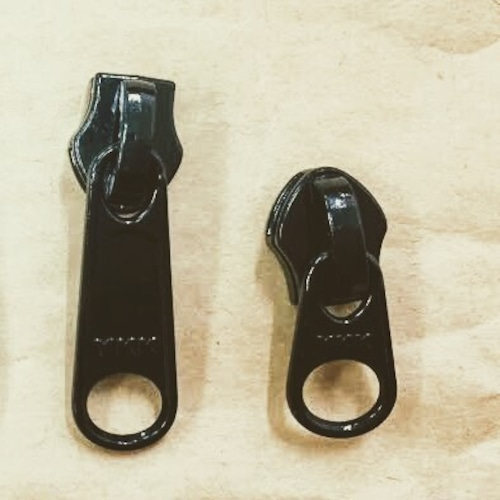 YKK スライダー 8c DFW(短)/ DFL(長) 表使い  黒/カラー つやあり 1個