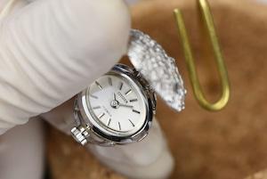 【ビンテージ時計】デッドストック 1970年代製造 シルバーのカバー付きシチズン指輪時計 日本製