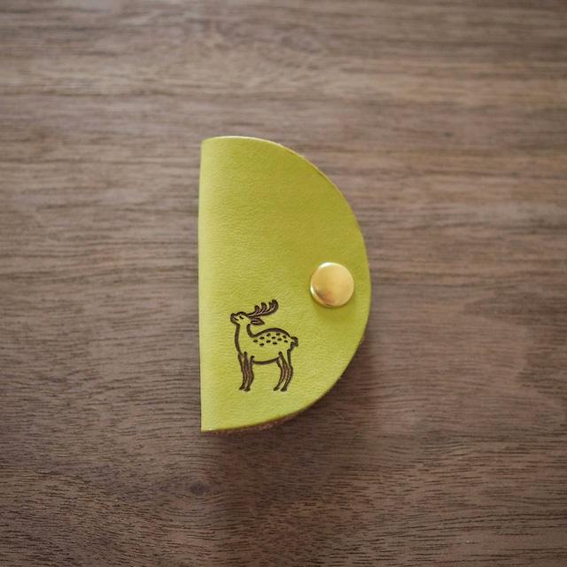 半月コードクリップ(若草色 / WAKAKUSA IRO)鹿のロゴマーク入り