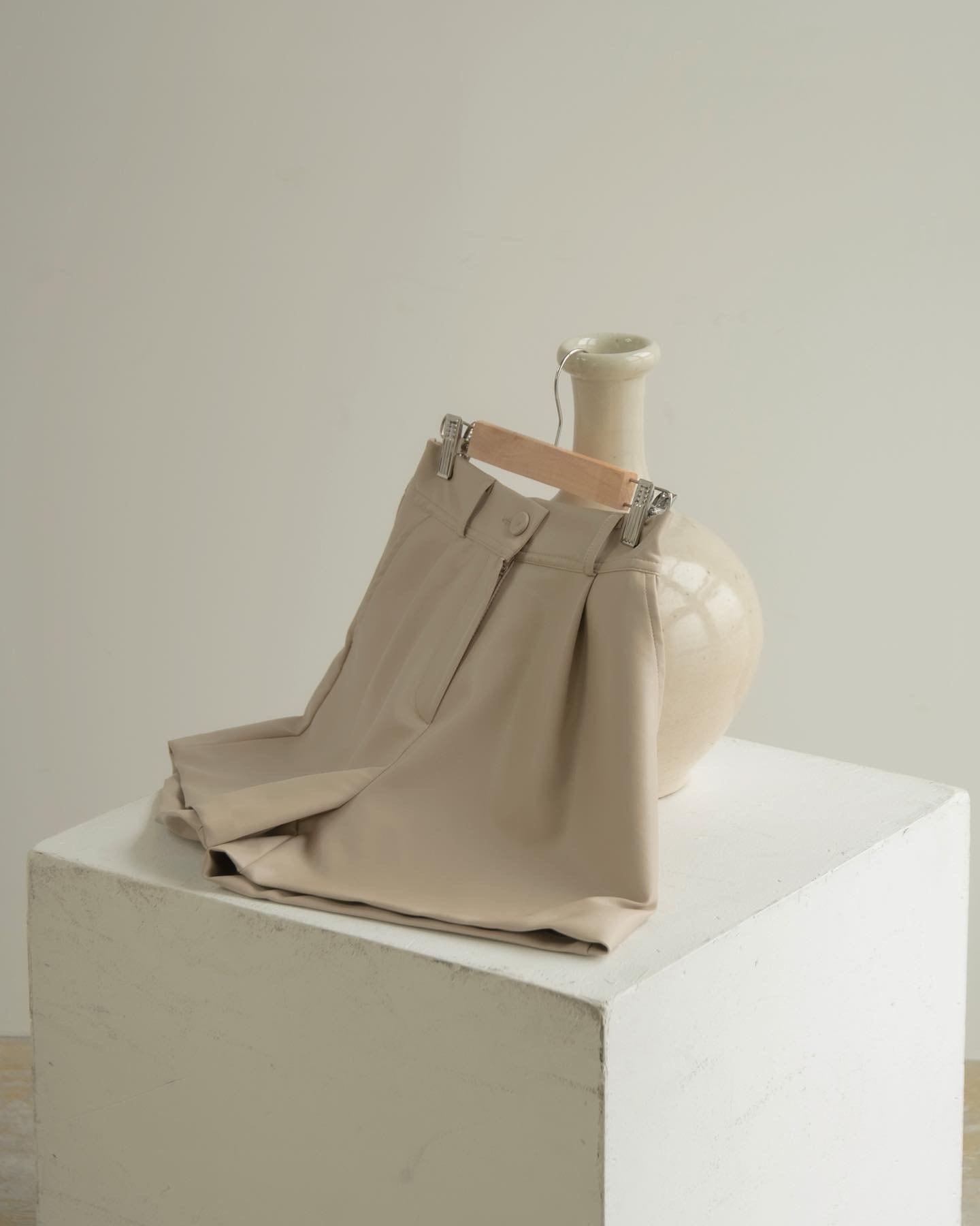 soft leather short pants
