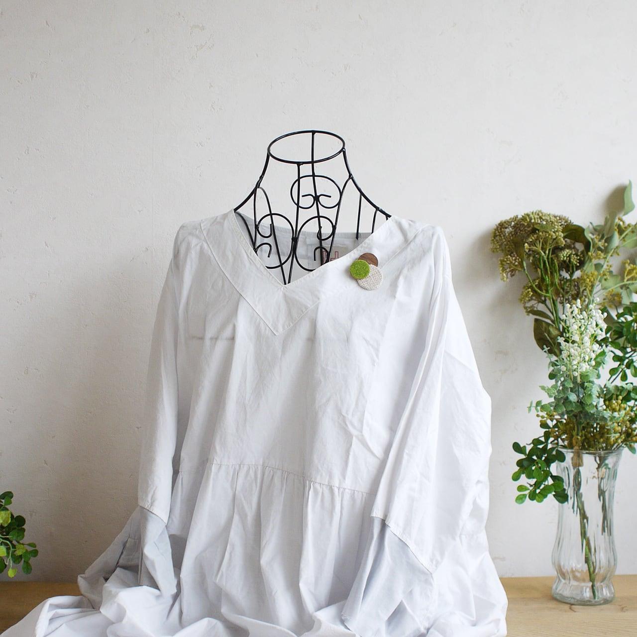 どんなお洋服にも似合う!シンプルフォルム 芝&麻&木のブローチ〈 Dots 〉ピクニック