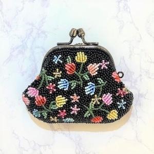 がまぐち財布111黒ベリー柄ビーズ刺繍