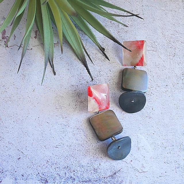 """ Earrings NO.0-1954″KIMONOとブラックシェル、クレイ"