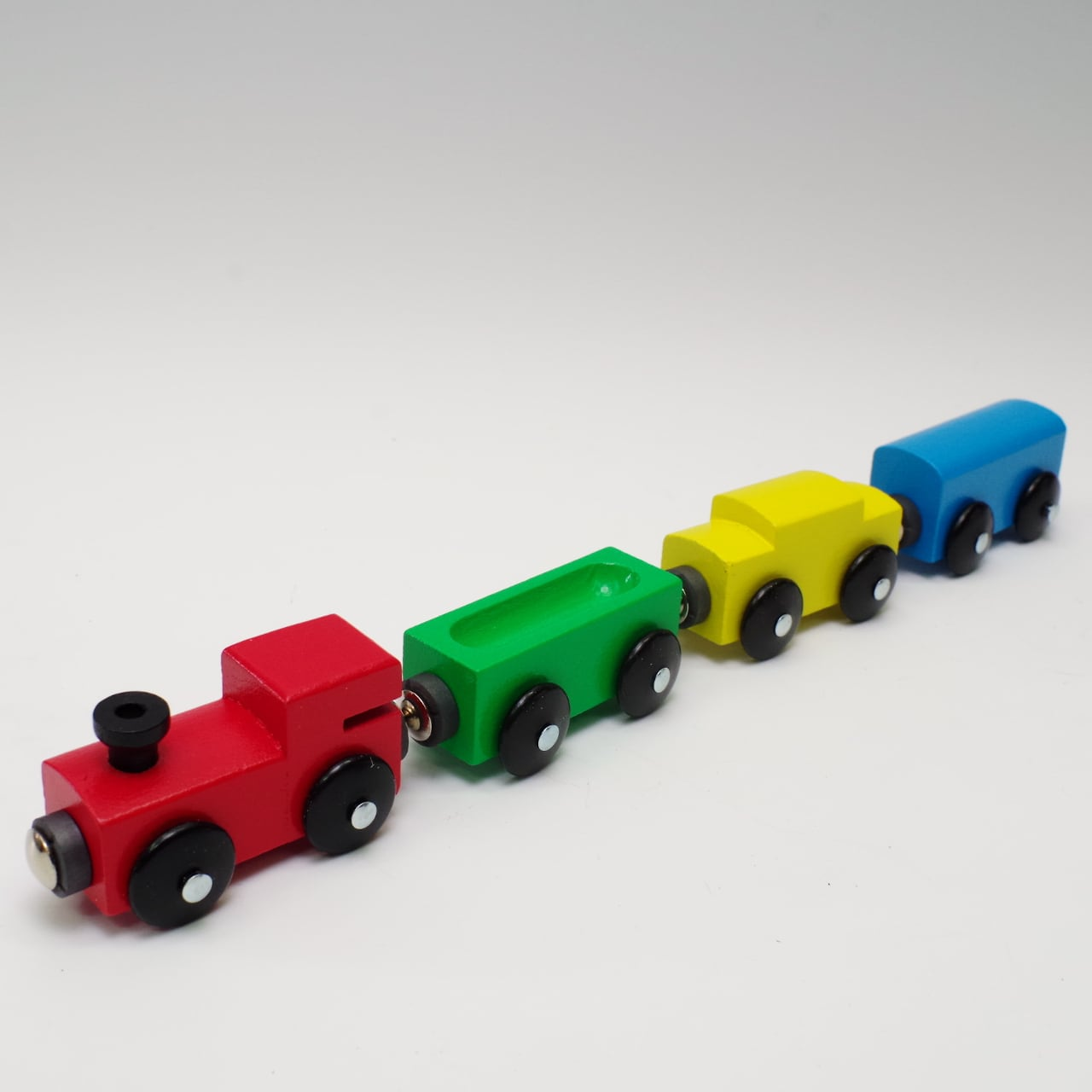 MICKI 汽車4両