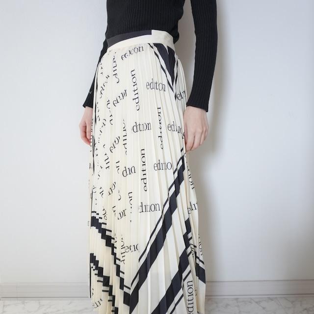 レタープリーツスカート