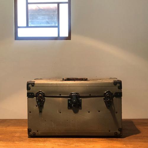 アメリカ製の大きなツールボックス アンティーク