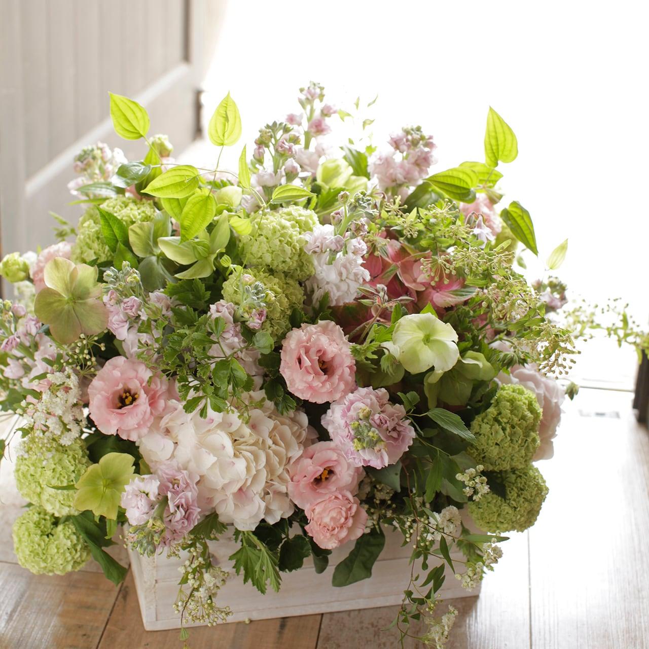 グランドオープニングを飾る花