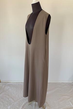 Deep U neck dress / cocoa