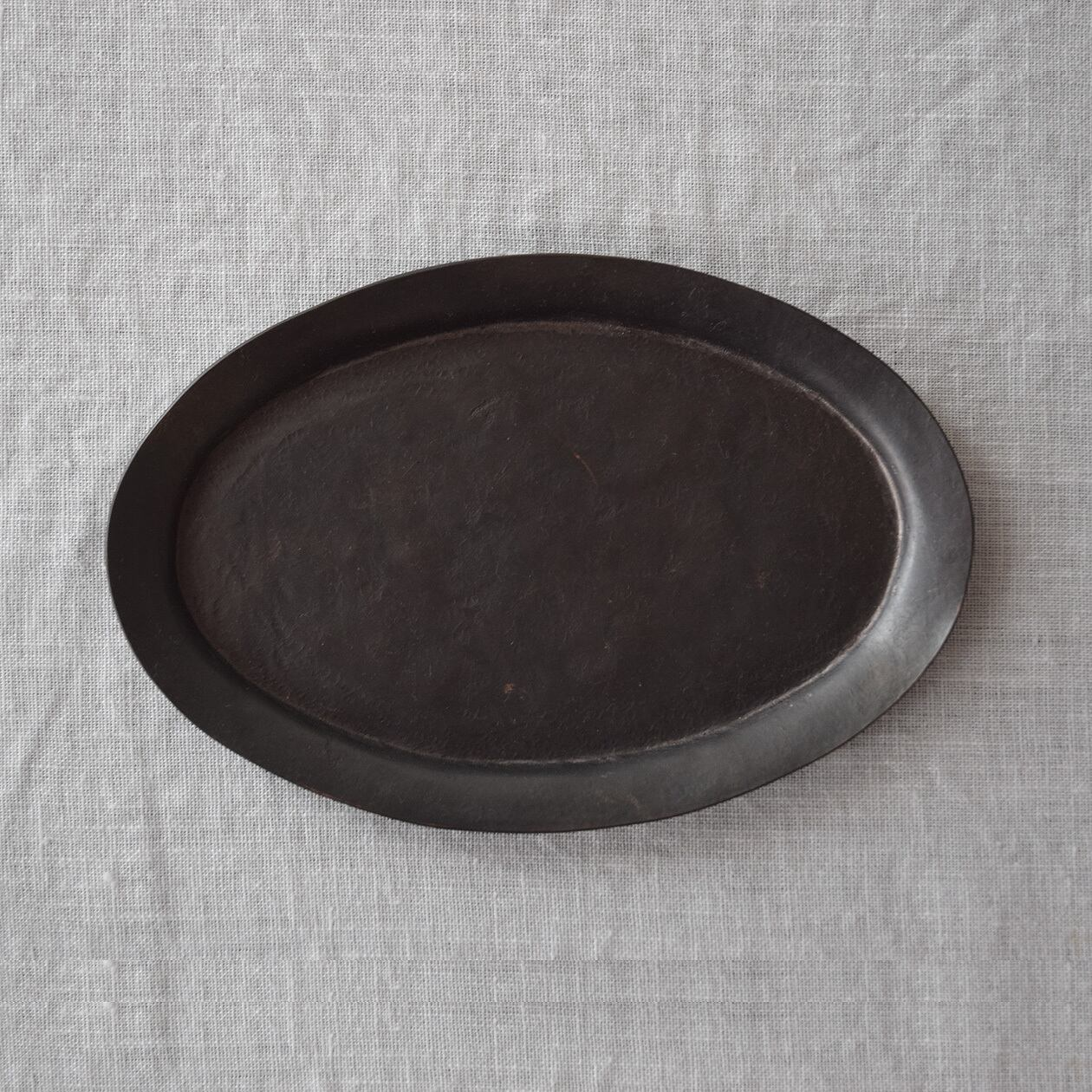 三輪周太郎 Shutaro Miwa  銅製楕円リム皿 a