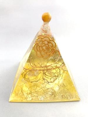 ピラミッド型オルゴナイト【シトリン&天然水晶】トップにゴールデンタイガーアイのポイント付き♫
