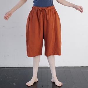 タリン、フレンチリネン5分丈パンツ 乾いた大地の赤茶色