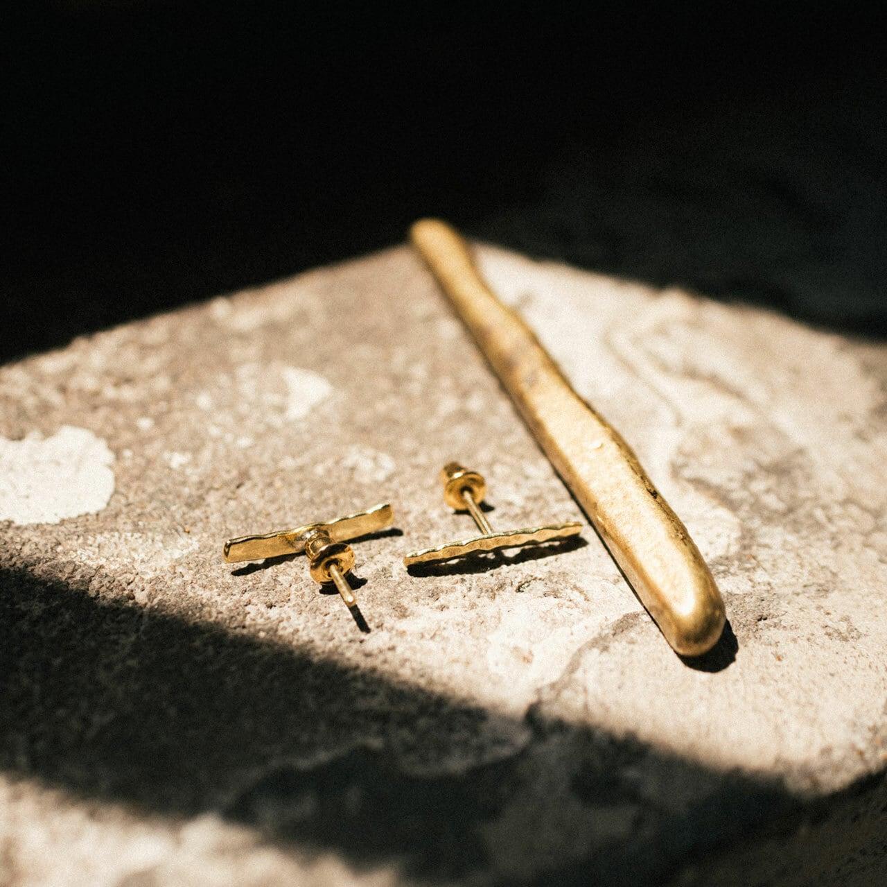 GRID pierce / 弾丸の空薬莢から作られた真鍮ピアス