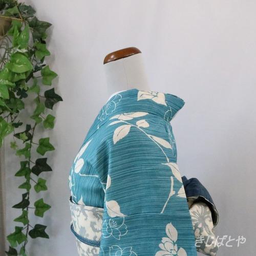 綿麻 浅縹に花の浴衣